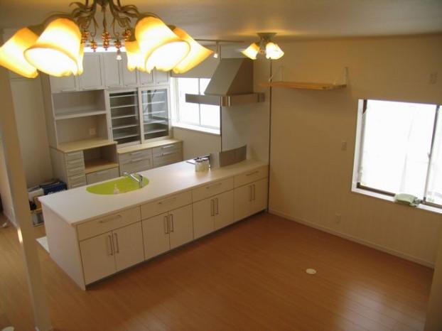 清潔感のあるシンプルなキッチン